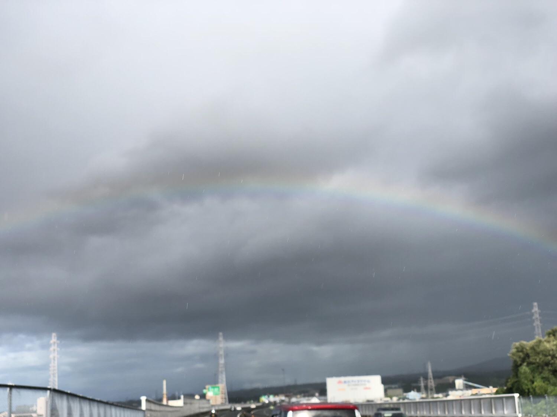 虹が出てました